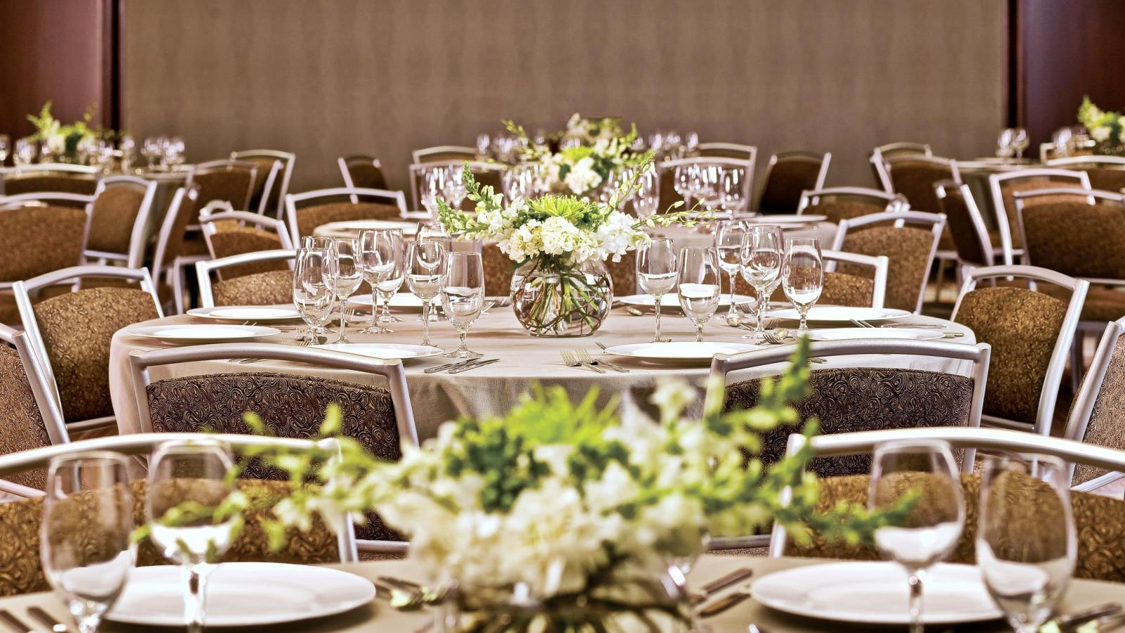 Wedding venues in memphis tn the westin memphis beale street the westin memphis beale street memphis wedding venue junglespirit Image collections